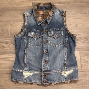 Silver Jeans | Jean distressed button up vest with green plaid